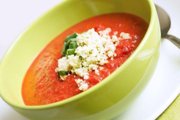 Hustá studená paradajková polievka s feta syrom |