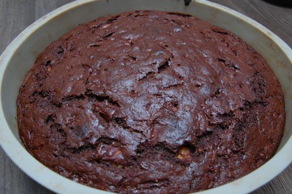 Cviklové brownie s broskyňou |