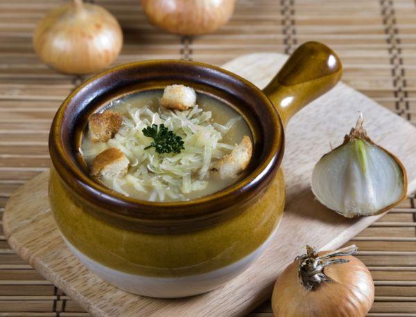 Cibuľová polievka po taliansky |