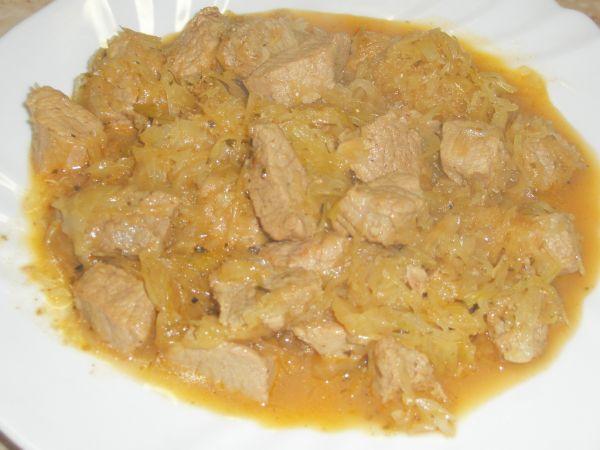 Bravčové mäso s kyslou kapustou |