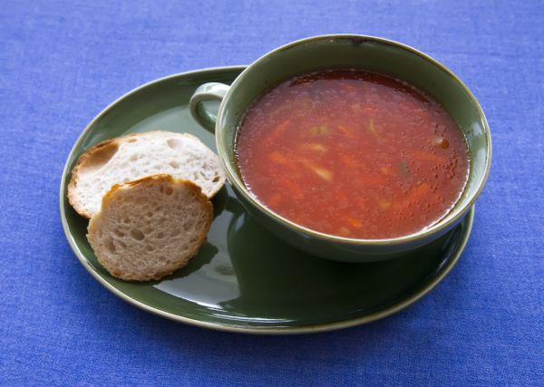 Korenená hrachovo- paradajková polievka |