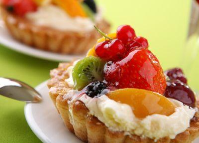 Krehké zákusky s ovocím |