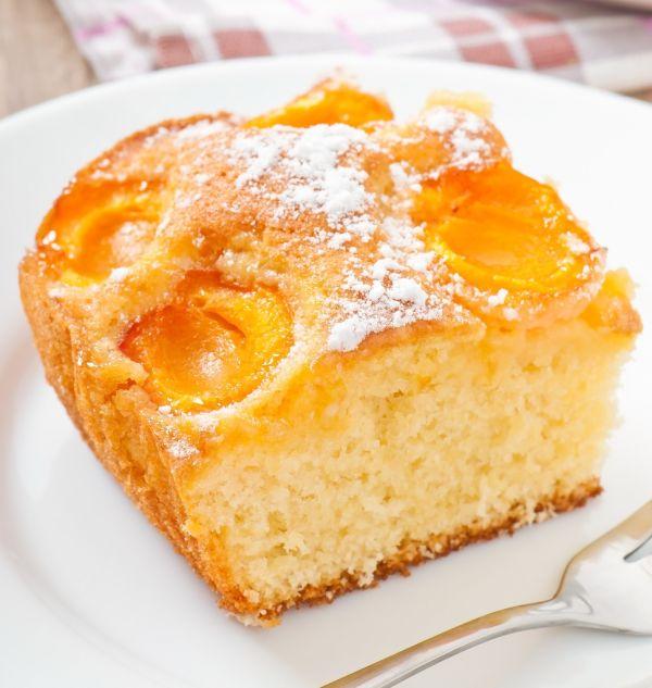 Jednoduchý marhuľový koláč |