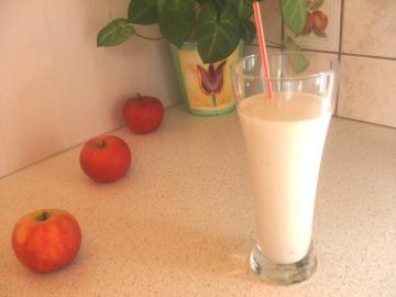 Medovo-banánový mléčný koktejl  Recepty na každý den