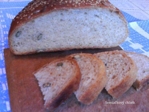 Pšenično ražný domáci chlieb |