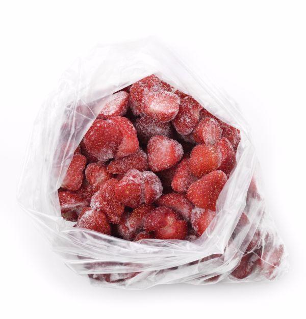 Mrazené celé jahody prevrstvené cukrom |