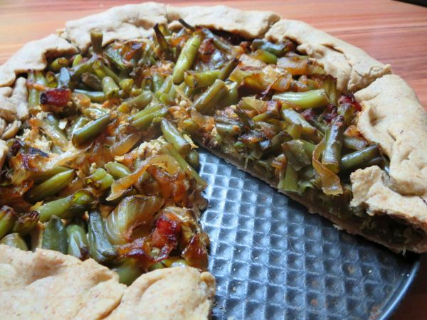 Pizza s tofu náplňou a zelenou fazuľkou |