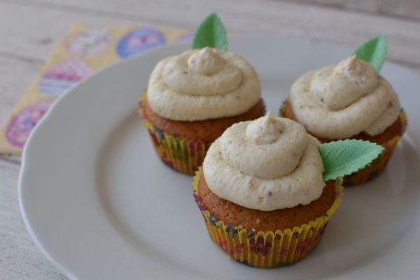 Veľkonočné cupcakes s medom a orechami |