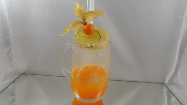 Mandarinkový nápoj |