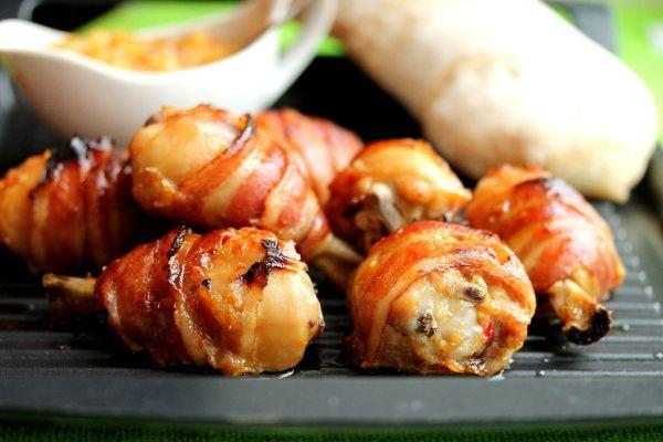 Kuracie stehná v slanine |