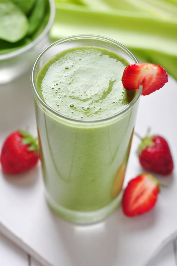 Zelené smoothie so špenátom a jahodami |