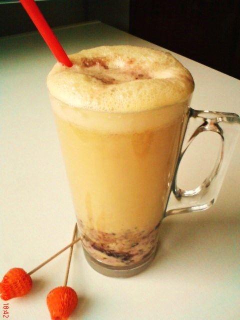 Ľadový café-cherry okamih |