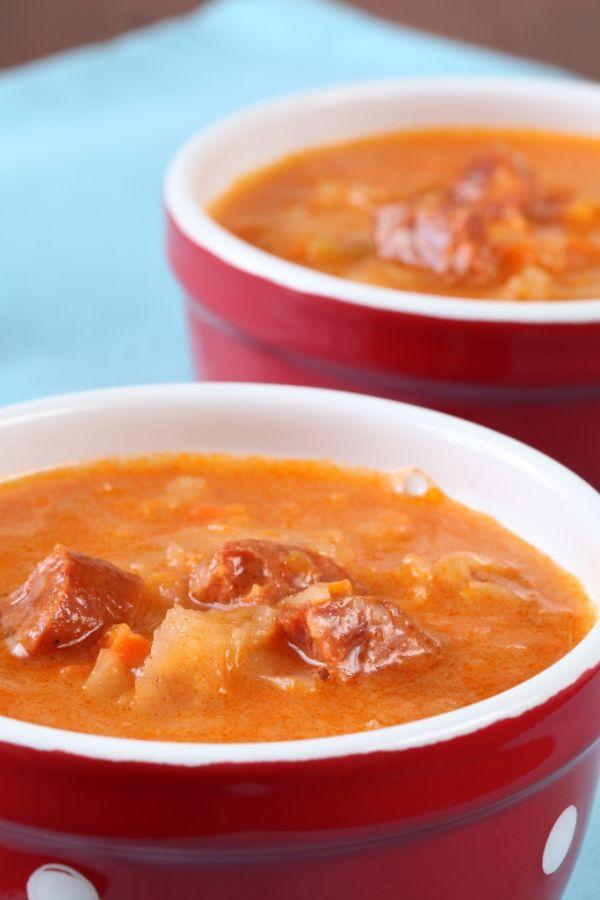 Korenistá polievka z kyslej kapusty |