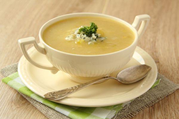 Krémová zelerová polievka s nivou |