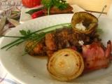 Važecká pochúťka  mäsové soté v zemiakovej placke