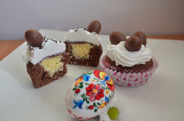 Cupcakes s tvarohovo-kokosovou plnkou |