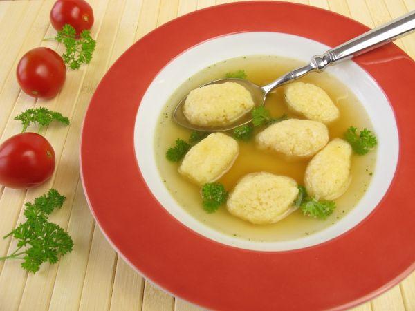 Hovädzia polievka s knedličkami |