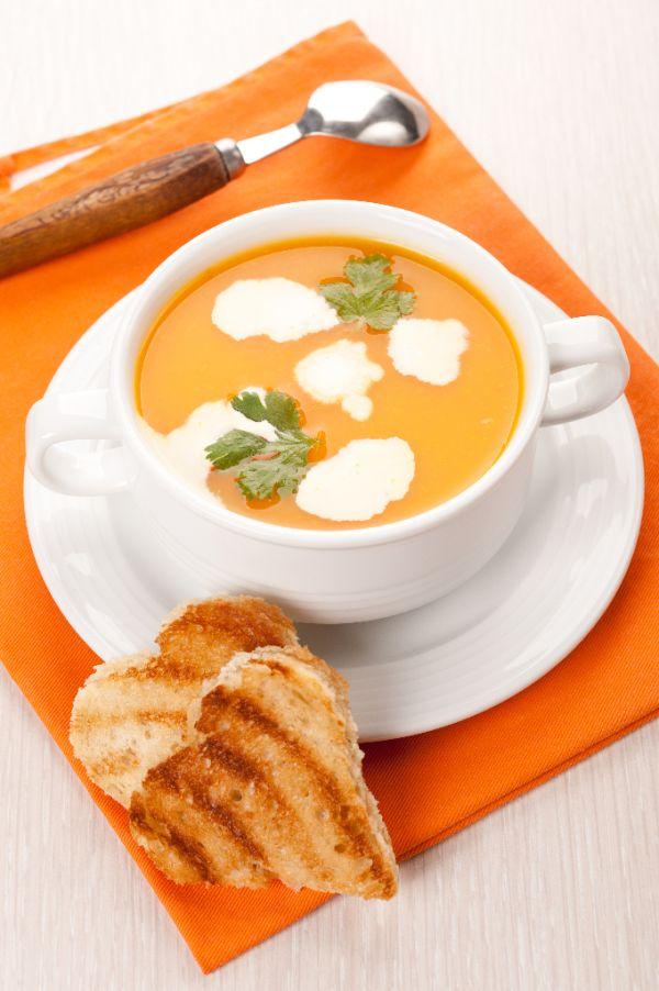 Tekvicová polievka s toastami |