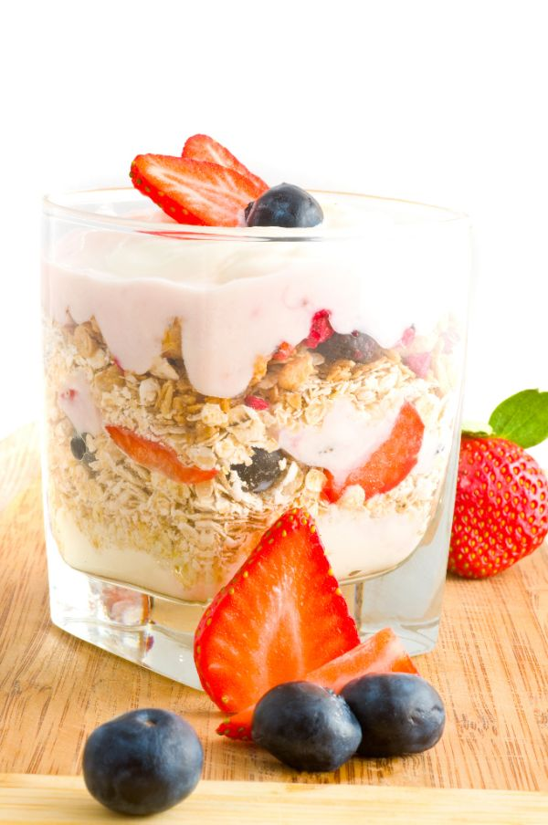 Jogurt s ovocím a musli |