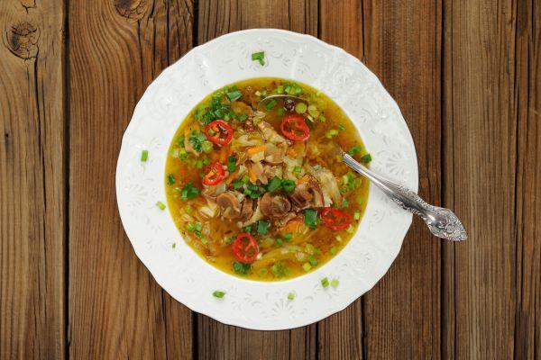 Hubová polievka s pohánkou a zeleninou |