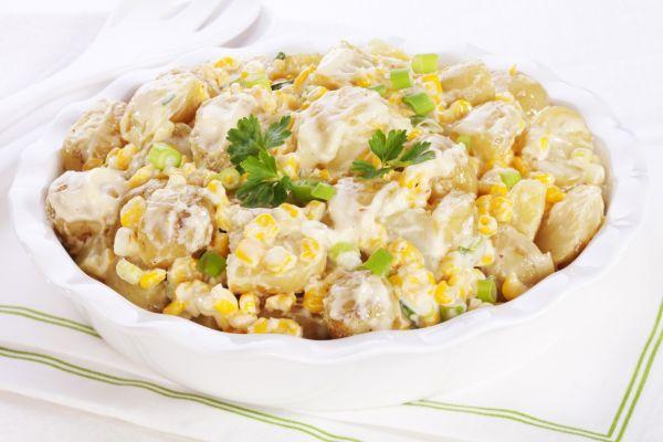 Zemiakový šalát s kukuricou |