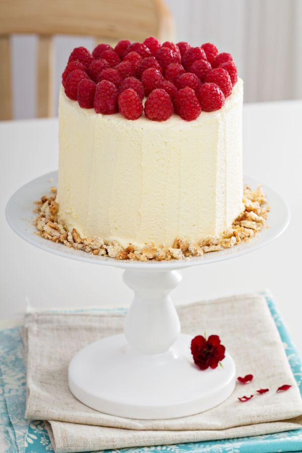 Malinová torta so šľahačkou |
