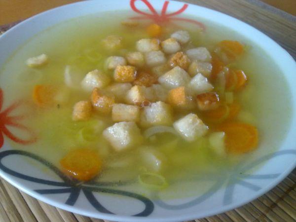 Pórová polievka s krutónmi |