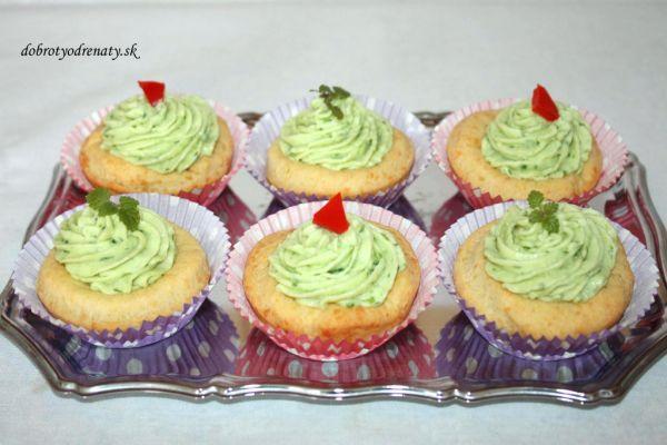 Syrové cupcakes s cesnakovým krémom |