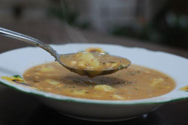Vločková polievka zo sójových bôbov |
