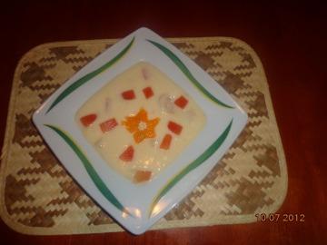 Tropická ovocná polévka na studeno  Recepty na každý den