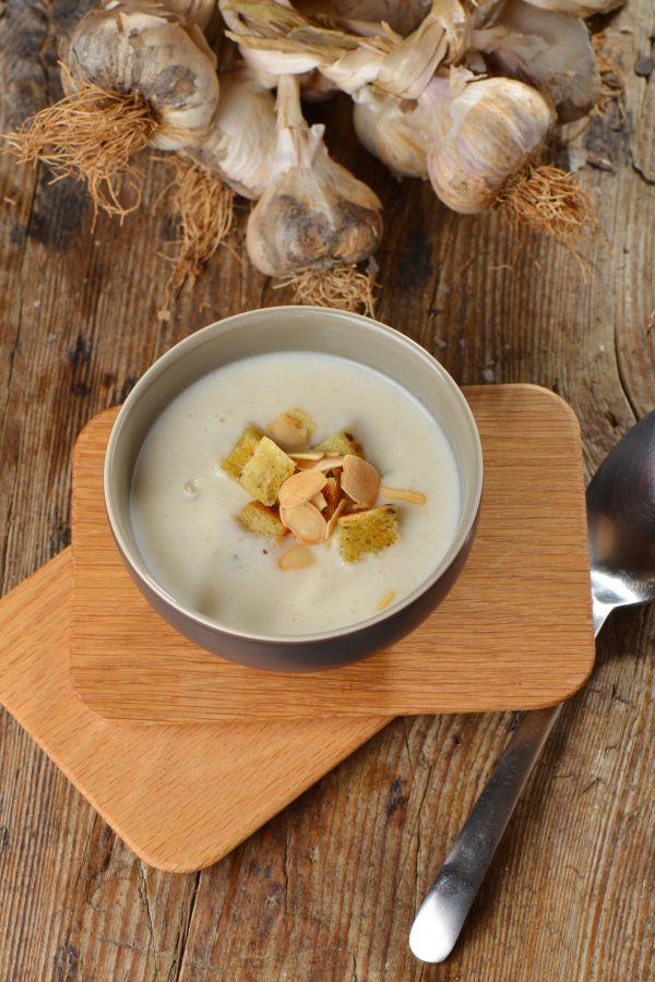 Krémová cesnaková polievka na zimné večery |