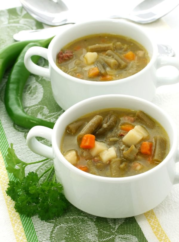 Fazuľková polievka so zemiakmi  
