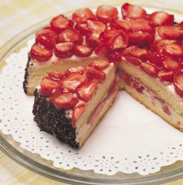Smotanová jahodová torta |