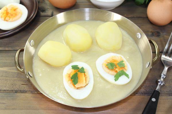 Vajcia v kyslej omáčke |