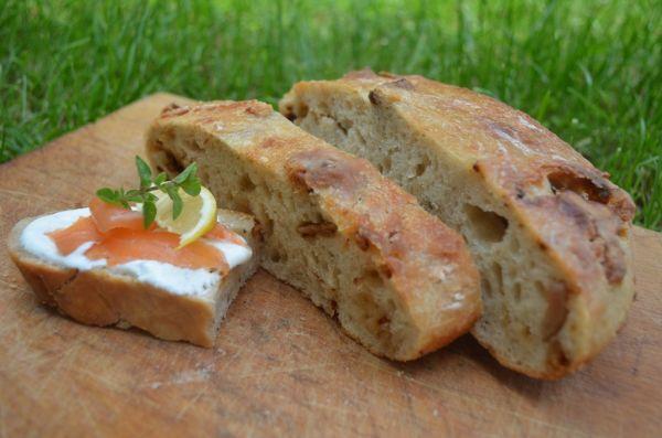 Chlieb pečený so škvarkami |