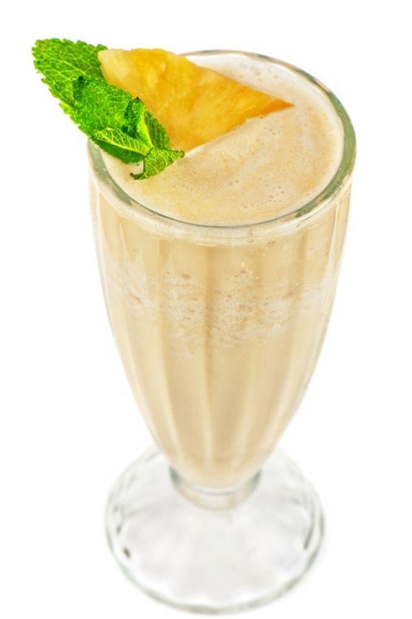 Mliečny ananásový koktail |