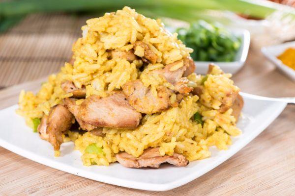 Kuracie mäso s karí ryžou |