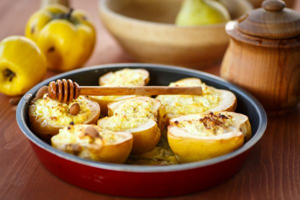 Jablká plnené krémovým syrom  
