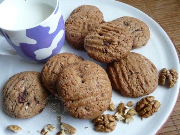 Špaldové cookies s kúskami čokolády |