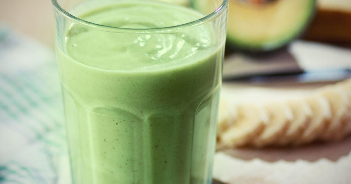 Zelené smoothie s mandľovým mliekom, fotogaléria 1 / 1.
