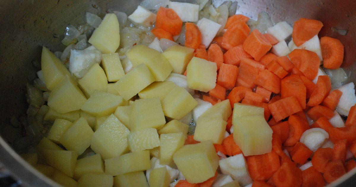 Šošovicová polievka s restovaným párkom, fotogaléria 4 ...