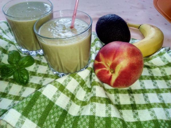 Nektárinkovo-avokádové smoothie |