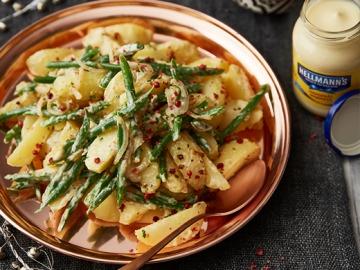 Bramborový salát se svěžími fazolkami (teplý)