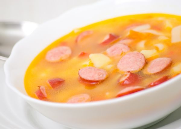 Zemiaková polievka s párkom  