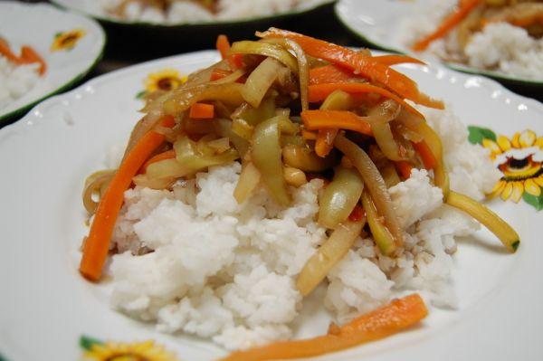Dusená zelenina so zázvorovo-sójovou chuťou ...