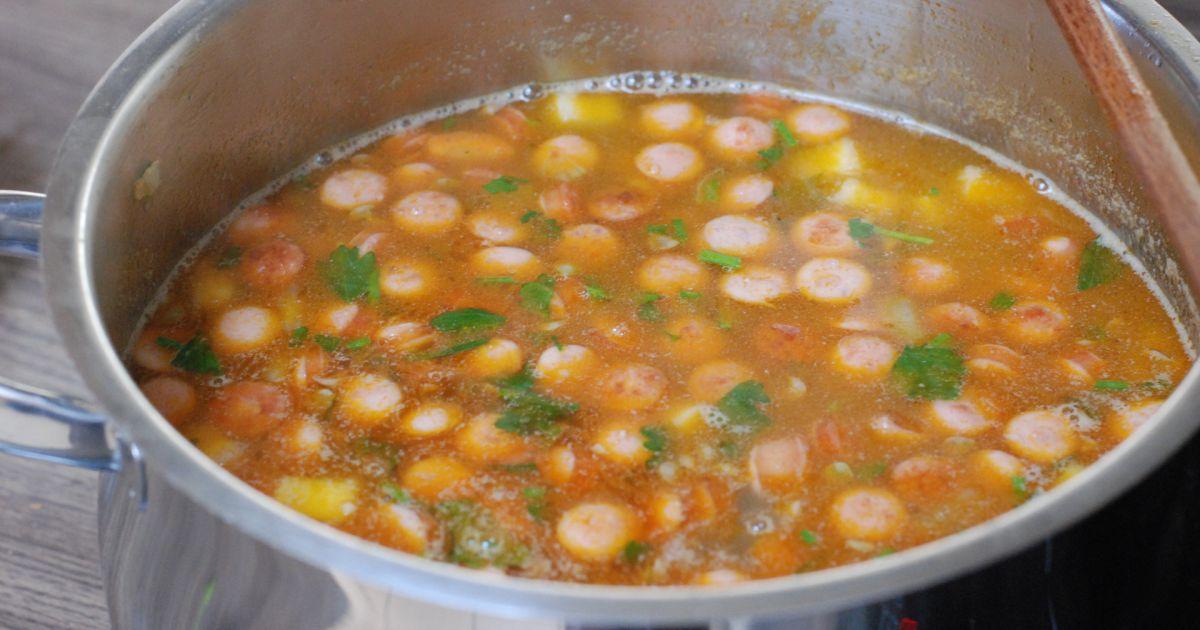 Šošovicová polievka s restovaným párkom, fotogaléria ...
