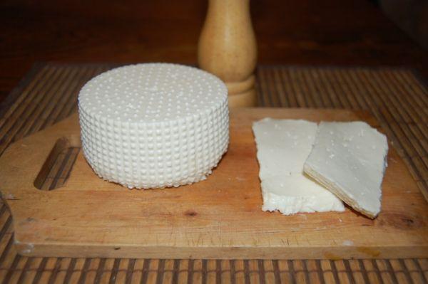 Domáci kozí syr |