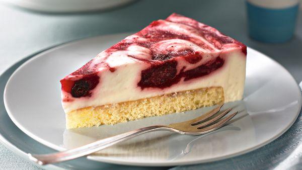 Obláčiková torta s ovocím |