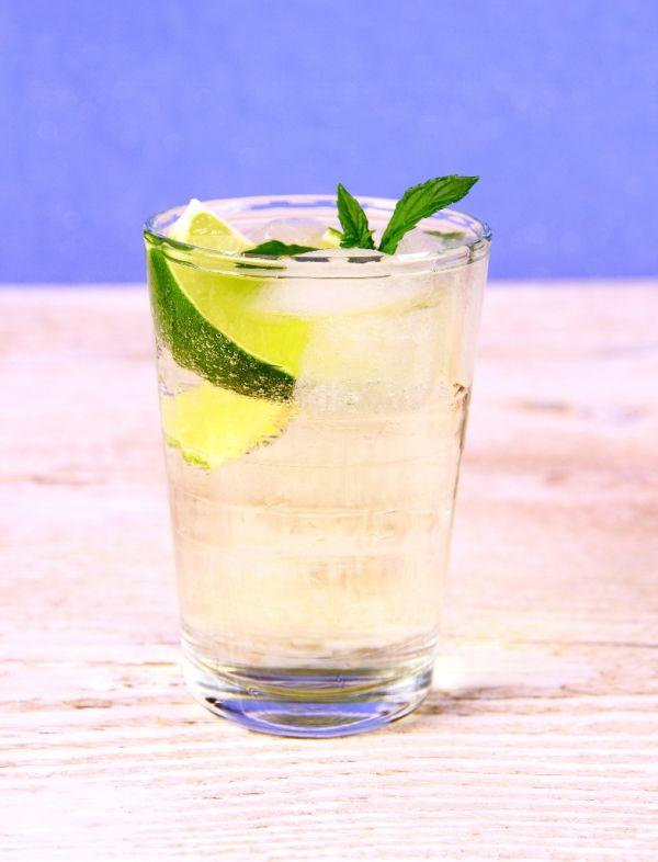 Bazový šumivý nápoj |