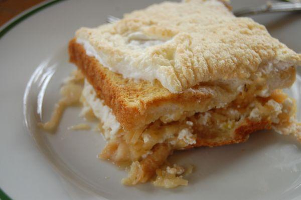 Jablková žemľovka z toastového chleba |